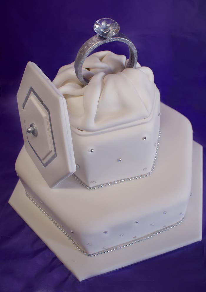 Cake Images For Engagement : Lionel s Sweet Art Cakes
